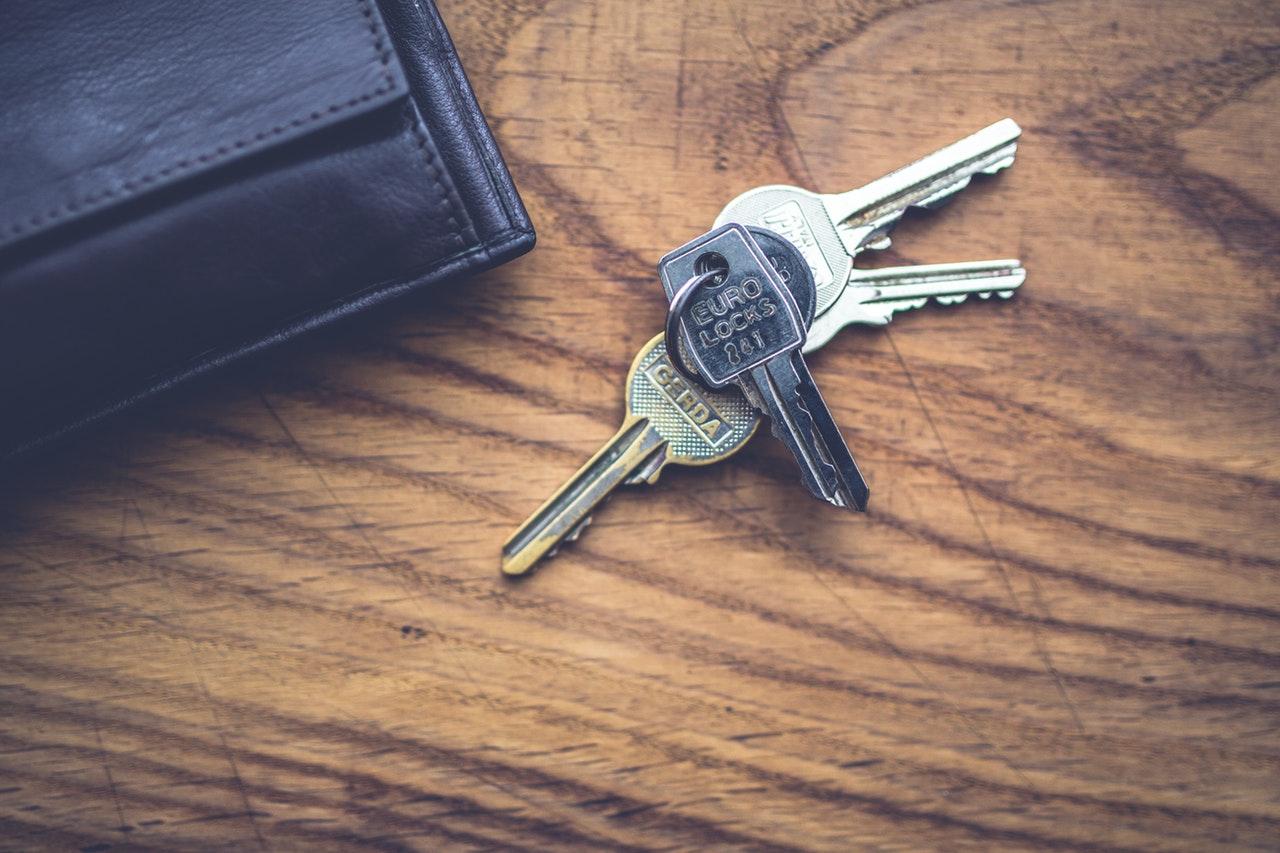 家を建てるならハウスメーカーと工務店どちらがオススメ?2つの依頼先の違いを比較